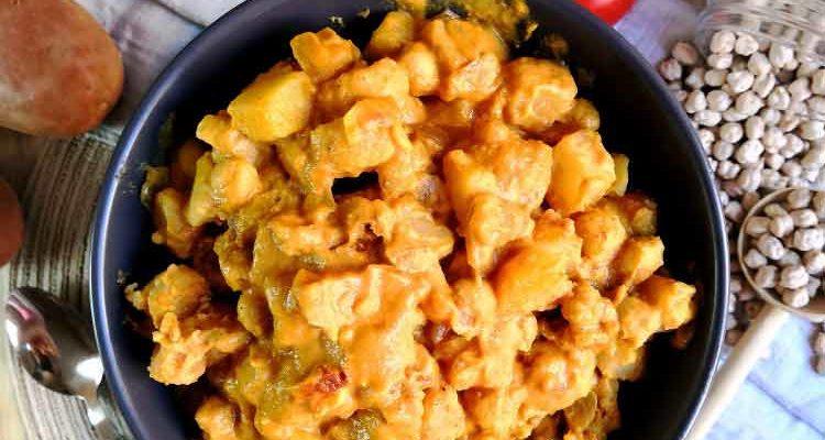 Curry de Pomme de Terre et Pois Chiches