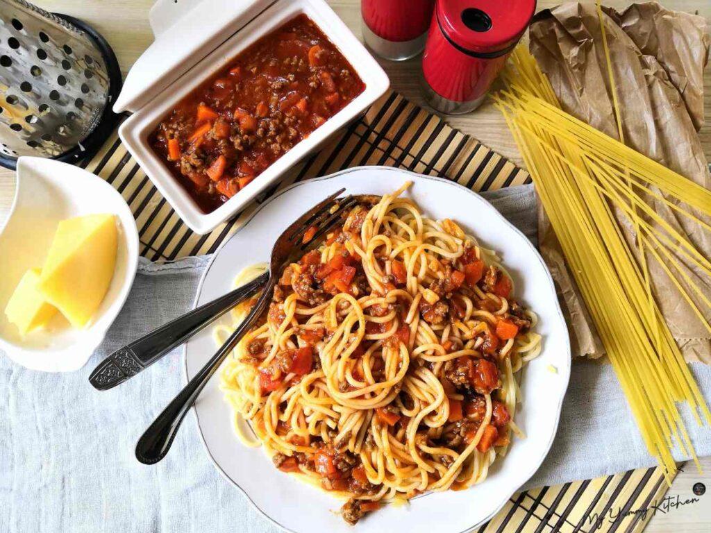 sauce bolognaise et spaghettis