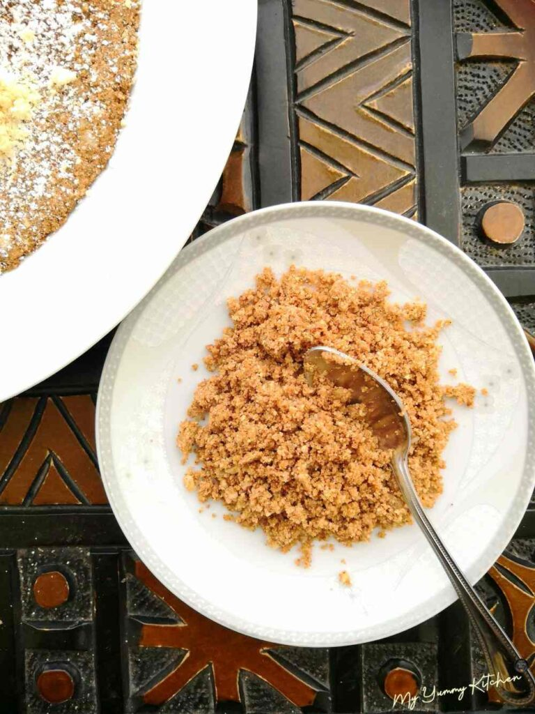 sellou servi dans une assiete
