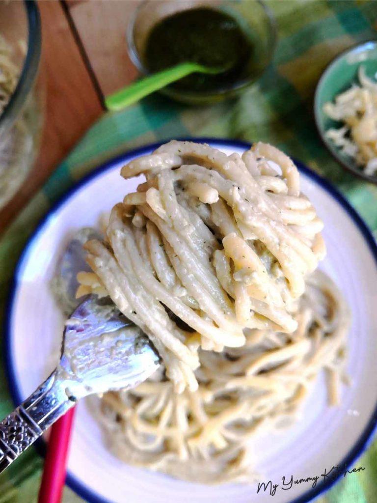 Spaghettis sauce pesto maison